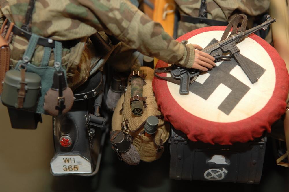 Panzer-Aufklärungs-Abteilung «Großdeutschland» Zündapp KS 750 Kampfgruppe «Strachwitz» 1944-12.jpg