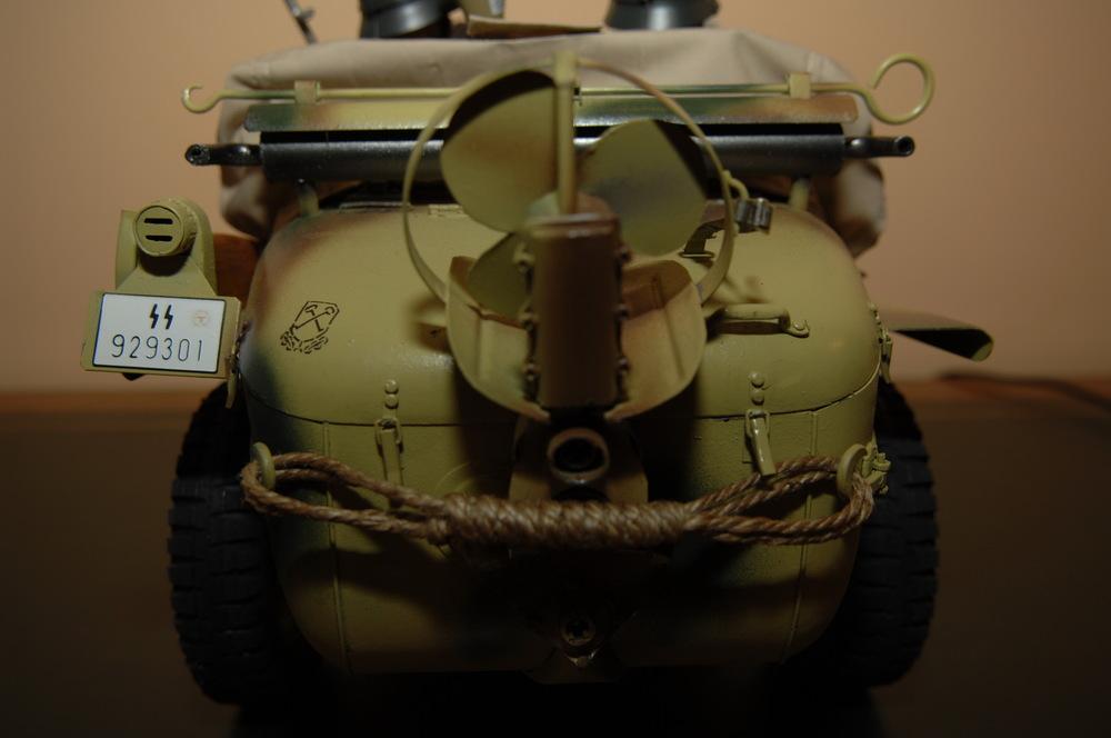 1.SS-Panzer-Division Leibstandarte-SS «Adolf Hitler» Typ 166 Schwimmwagen 1944-05.jpg